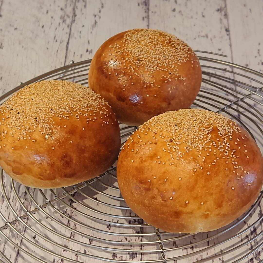 本日はこしあんパンがございます!#カフェオランジュ #三鷹ランチ #こしあんパン #スコーン#山本有三記念館隣 #三鷹カフェ #吉祥寺カフェ