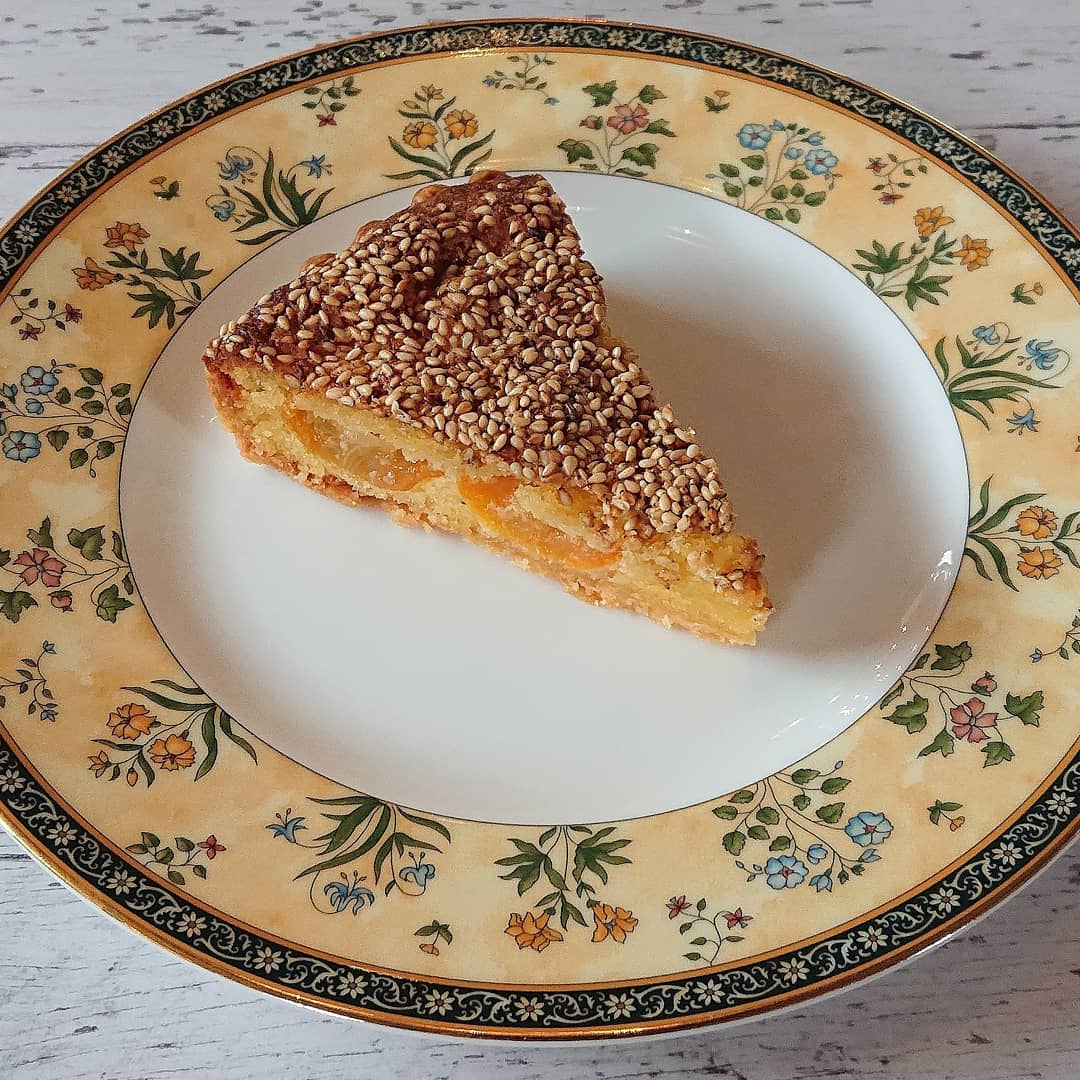 ケーキはきんかんのタルトやスコーン、オレンジシフォン、キャロットケーキなどがございます!#カフェオランジュ #きんかんのタルト #スコーン ##キャロットケーキ #クリームチーズ #季節のタルト #山本有三記念館隣 #三鷹カフェ #吉祥寺カフェ
