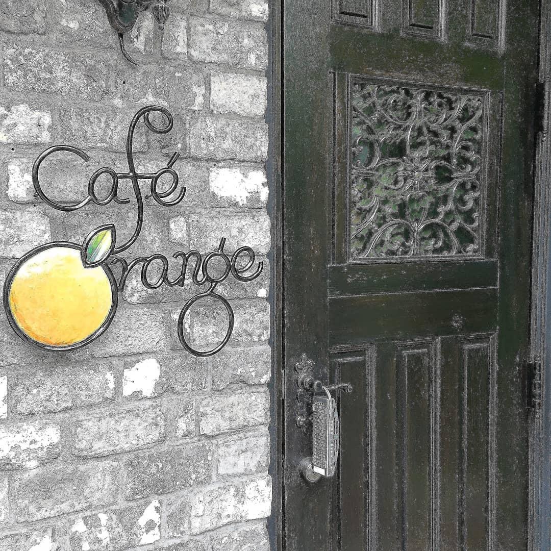 新型コロナウイルス感染拡大に伴う緊急事態宣言の延長にともない、当面の間カフェの営業をお休みとさせていただきます。テイクアウトは営業しておりますので、どうぞご利用ください。 カフェ・オランジュ